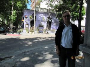 En la puerta del restaurante FRANCIS, Montevideo, Uruguay