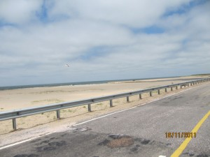 con la moto harley en la ruta 9 de La Barra a La Paloma, Uruguay