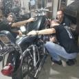 En el taller de motos de Montevideo Los trámites burocráticos están resultando sorprendentemente eficientes y las personas que atienden son muy amables y colaboradoras, ojalá no cambie nunca esta onda. […]