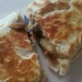 Piadina de jamón, mozzarella y champiñones